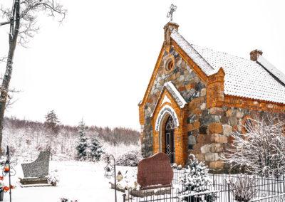 Kapilca i cmentarz w Zajączkach-5