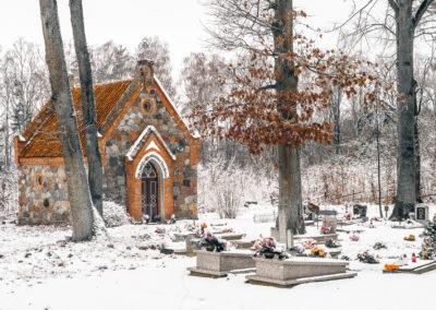 Kapilca i cmentarz w Zajączkach-7